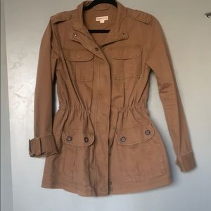 Brown utility jacket, size S, adjustable features